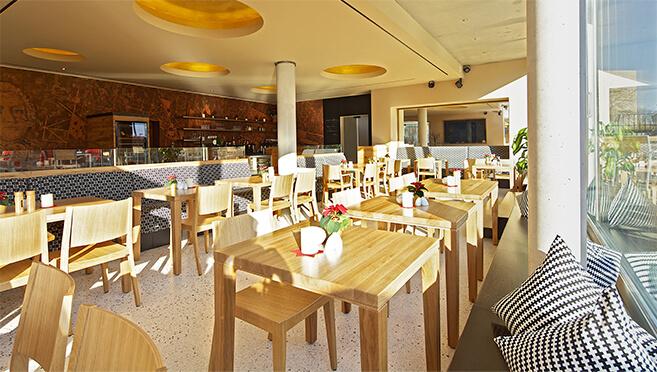Restaurant Dresden Altstadt bei Sonne